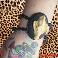 Armband Wolfsschaedel GUT