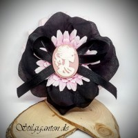 Blume gemme rosa weiss schwarze bluete